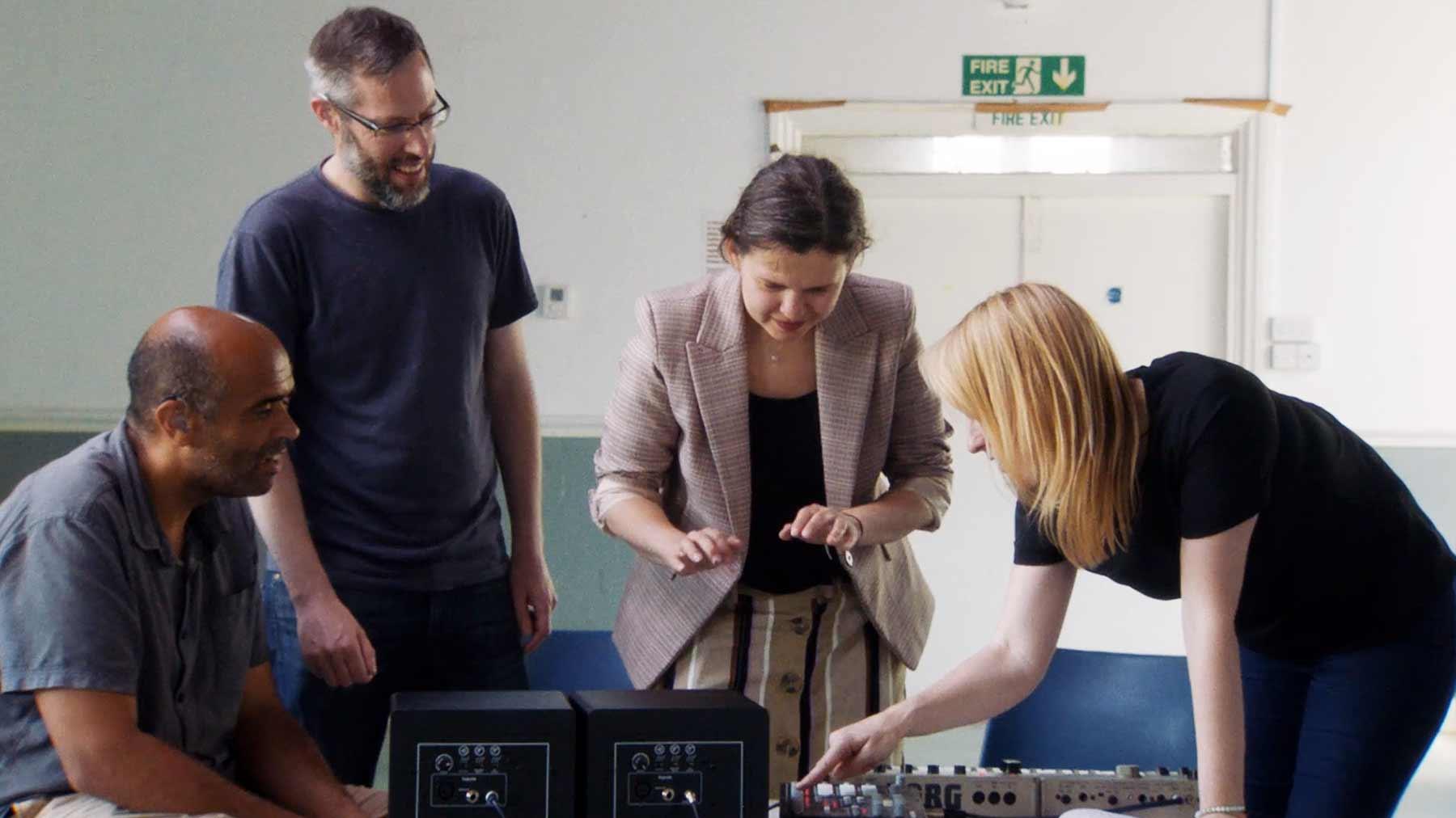 Wie taube Leute elektronische Musik wahrnehmen