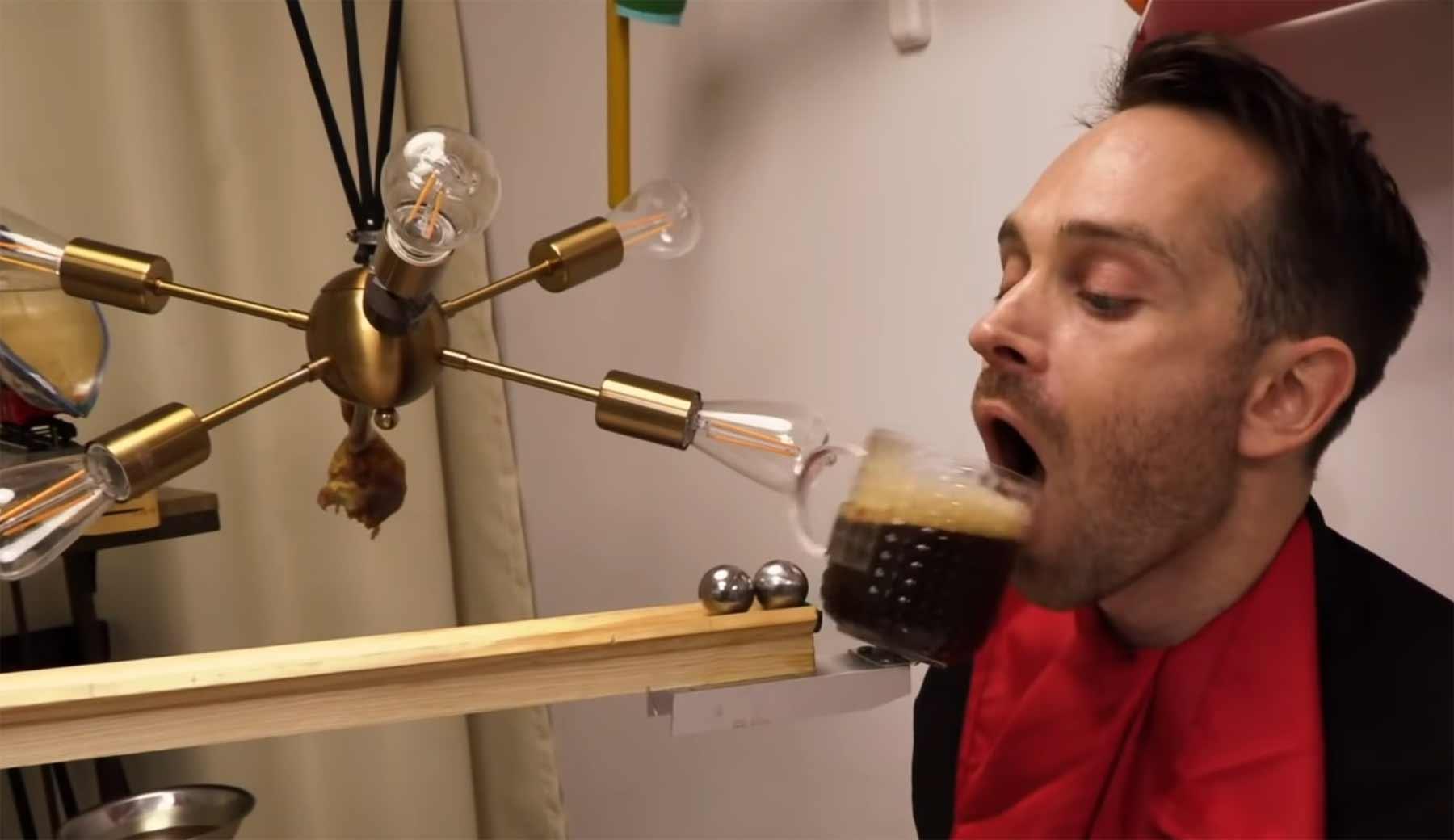 Automatisierte Fütter-Kettenreaktion josephs-dinner-machine