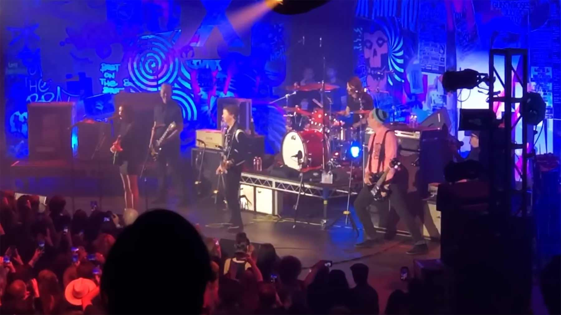 Das Nirvana-Reunion-Konzert 2020 im Videostream anschauen