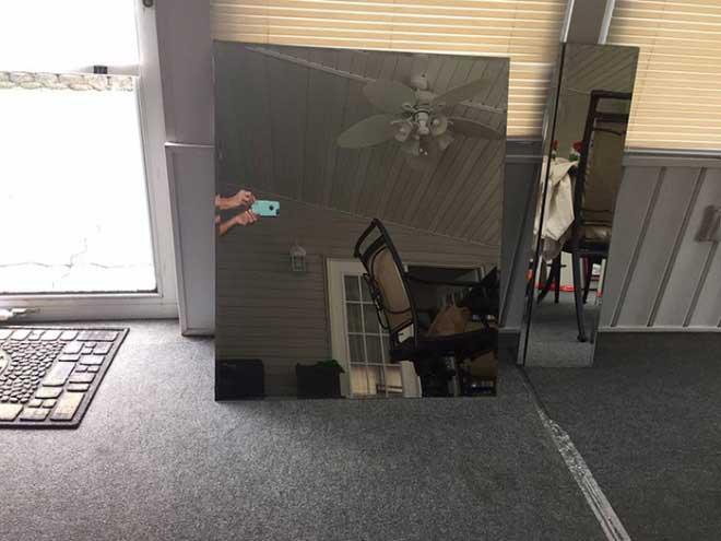 So skurril fotografieren Leute ihre verkäuflichen Spiegel spiegel-zu-verkaufen-artikelbild-skurril_04