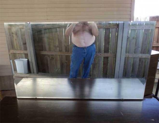 So skurril fotografieren Leute ihre verkäuflichen Spiegel spiegel-zu-verkaufen-artikelbild-skurril_05