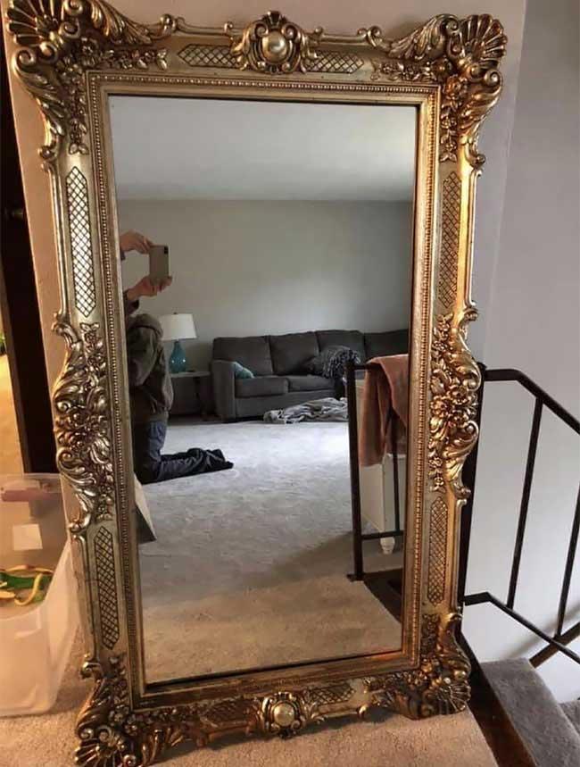 So skurril fotografieren Leute ihre verkäuflichen Spiegel spiegel-zu-verkaufen-artikelbild-skurril_08