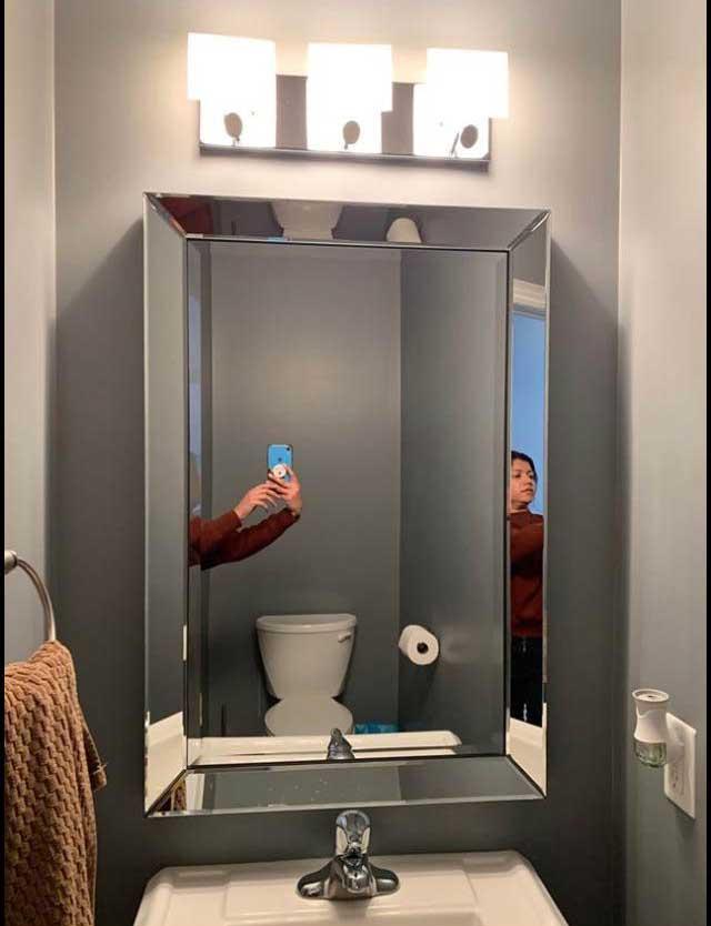 So skurril fotografieren Leute ihre verkäuflichen Spiegel spiegel-zu-verkaufen-artikelbild-skurril_10