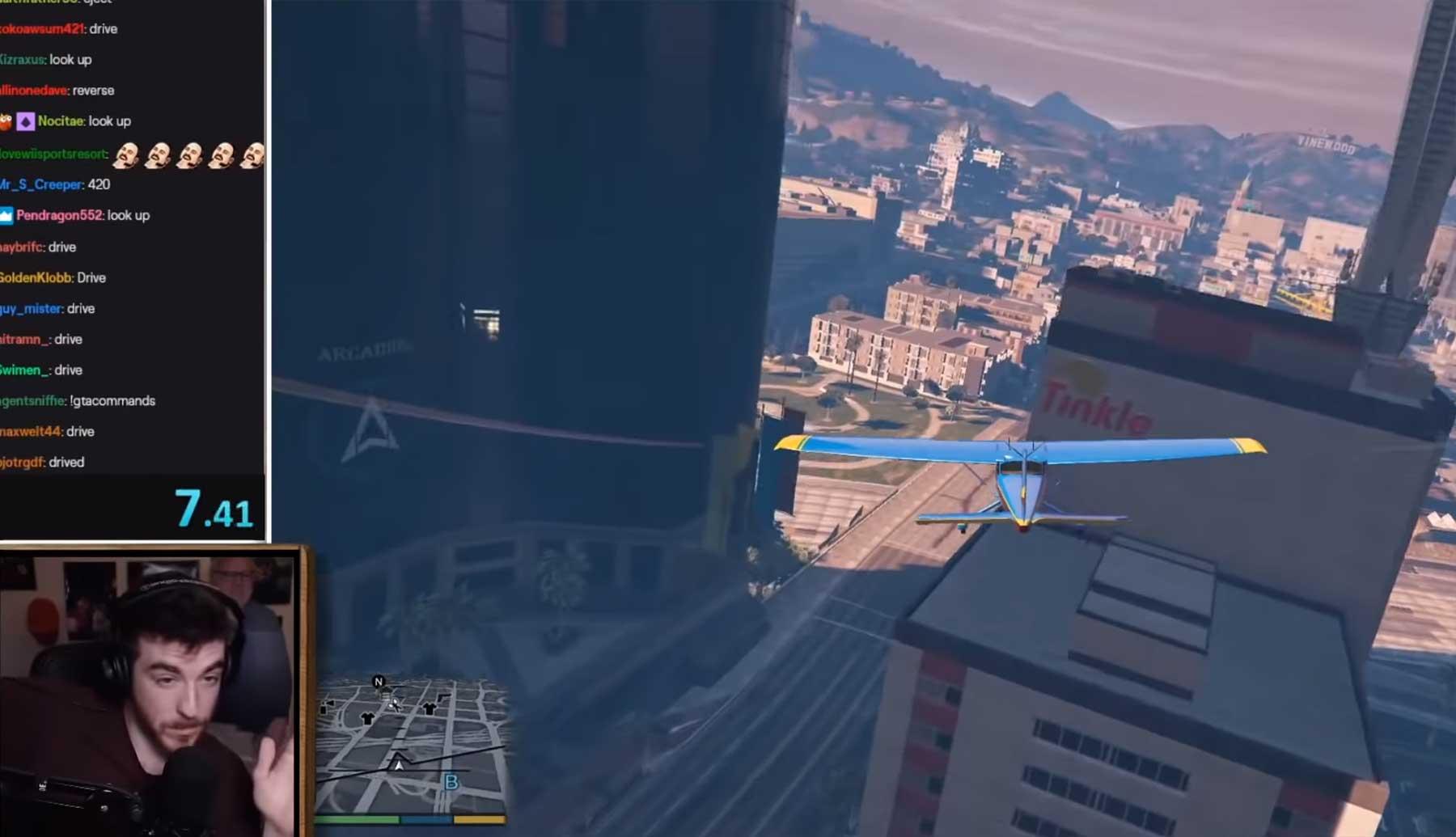 Twitch-Chat versucht, ein Flugzeug in GTA V zu steuern
