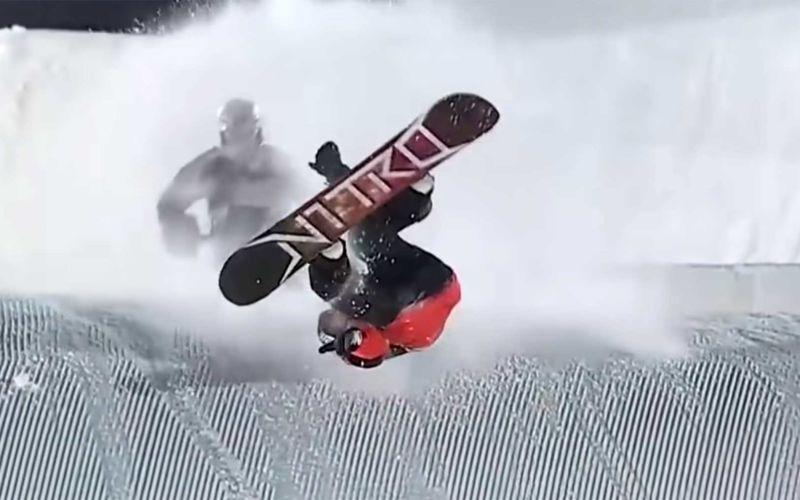 Halsbrecherische Snowboard-Sprünge