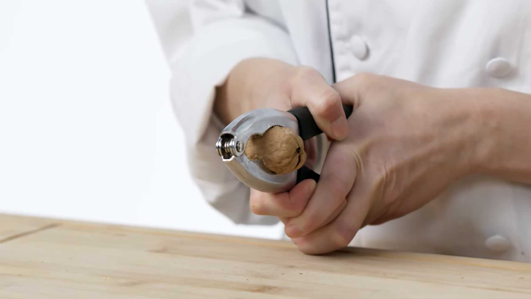 Wie man Nüsse aller Arten knacken kann