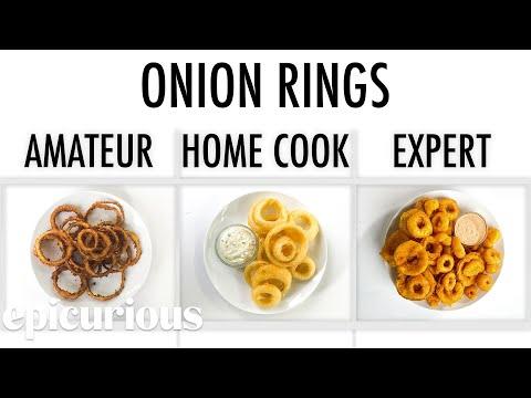 Köche unterschiedlicher Fähigkeitsstufen machen Zwiebelringe