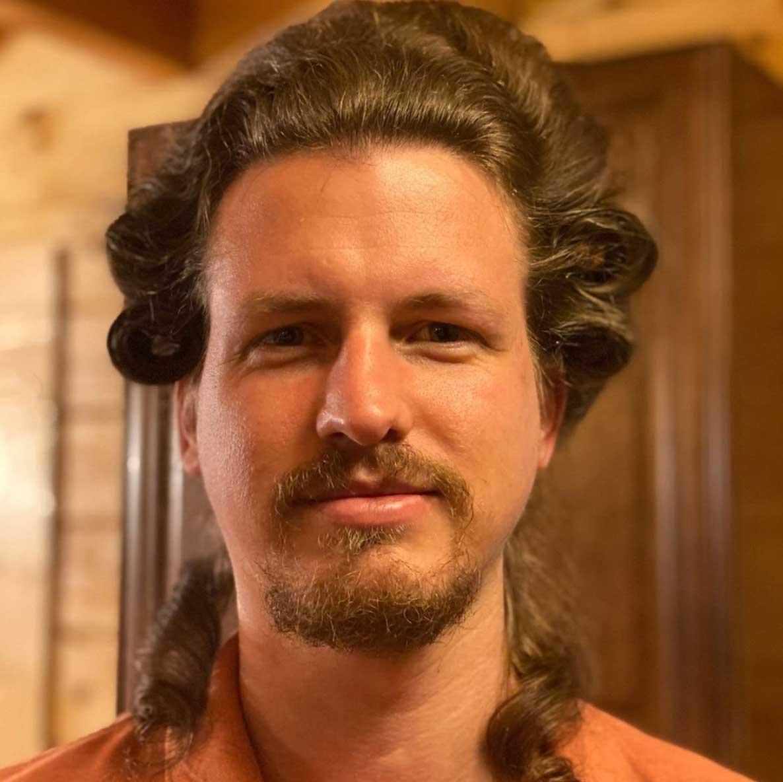 Arbeitsverhinderte Haarstylistin frisiert ihren Mann täglich neu Heidi-Oley_07