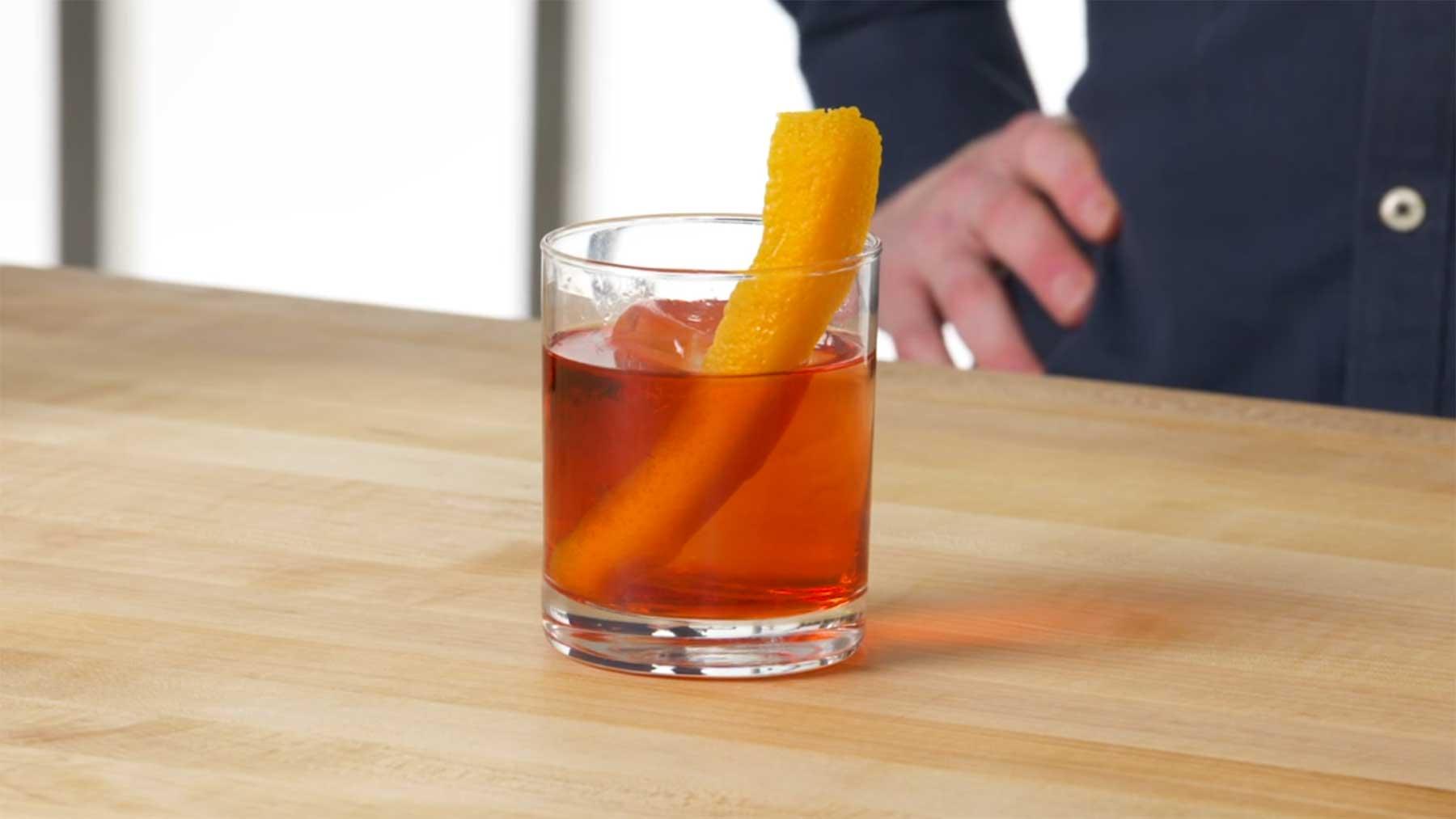 Wie man JEDEN Cocktail richtig mixt