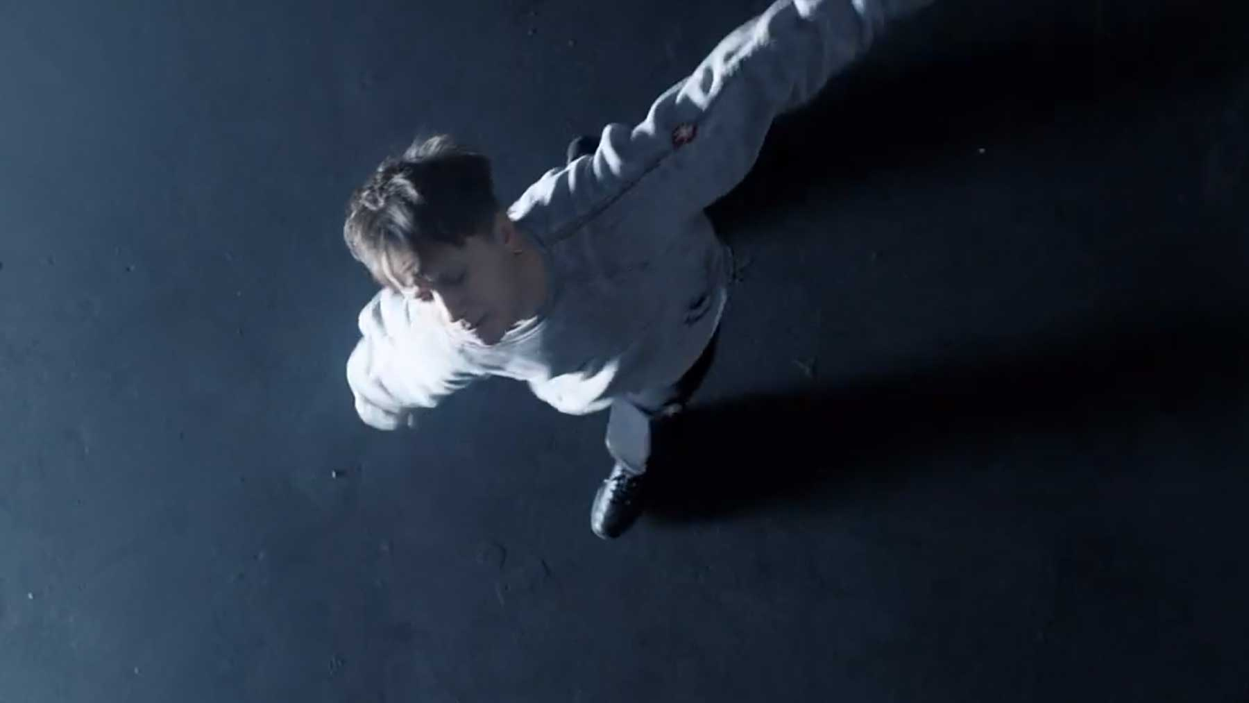 "Musikvideo: Nothing But Thieves – ""Is Everybody Going Crazy?"""