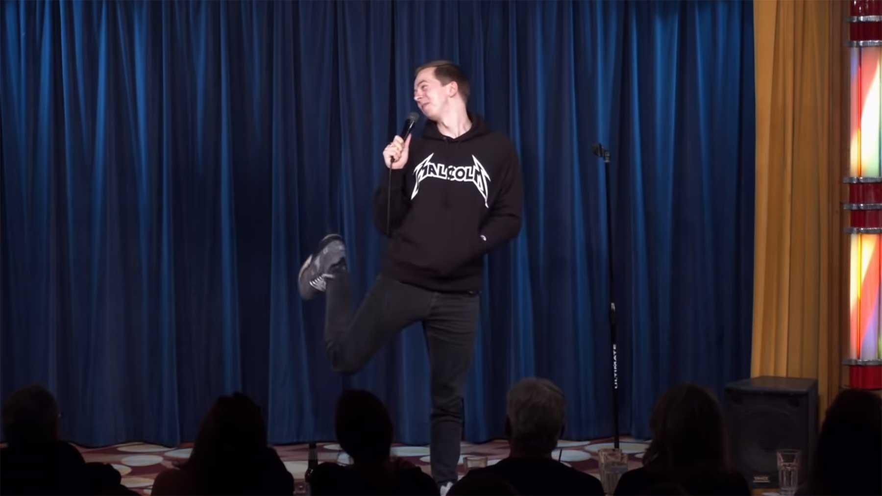 Neuer Freestyle-Rap von Comedian Chris Turner chris-turner-freestyle-rap-hottie-in-crowd