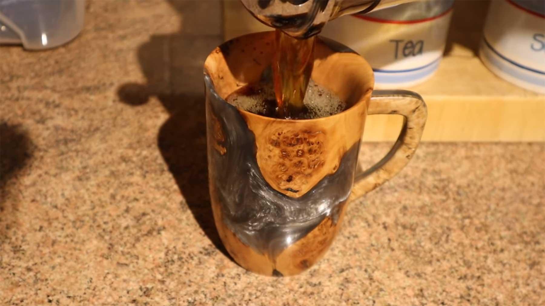Kaffee-Tasse aus einem Stück Holz anfertigen kaffeetasse-aus-holz