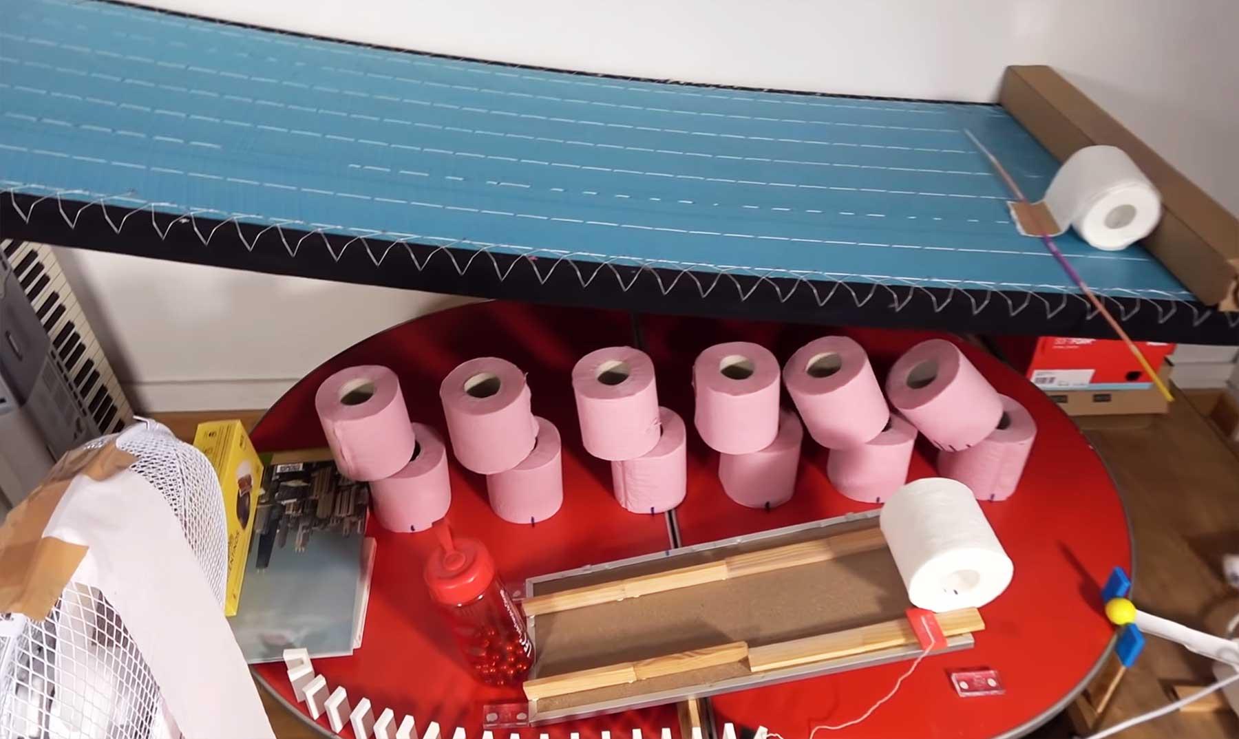 Klopapier-Kettenreaktion kettenreaktion-mit-toilettenpapier
