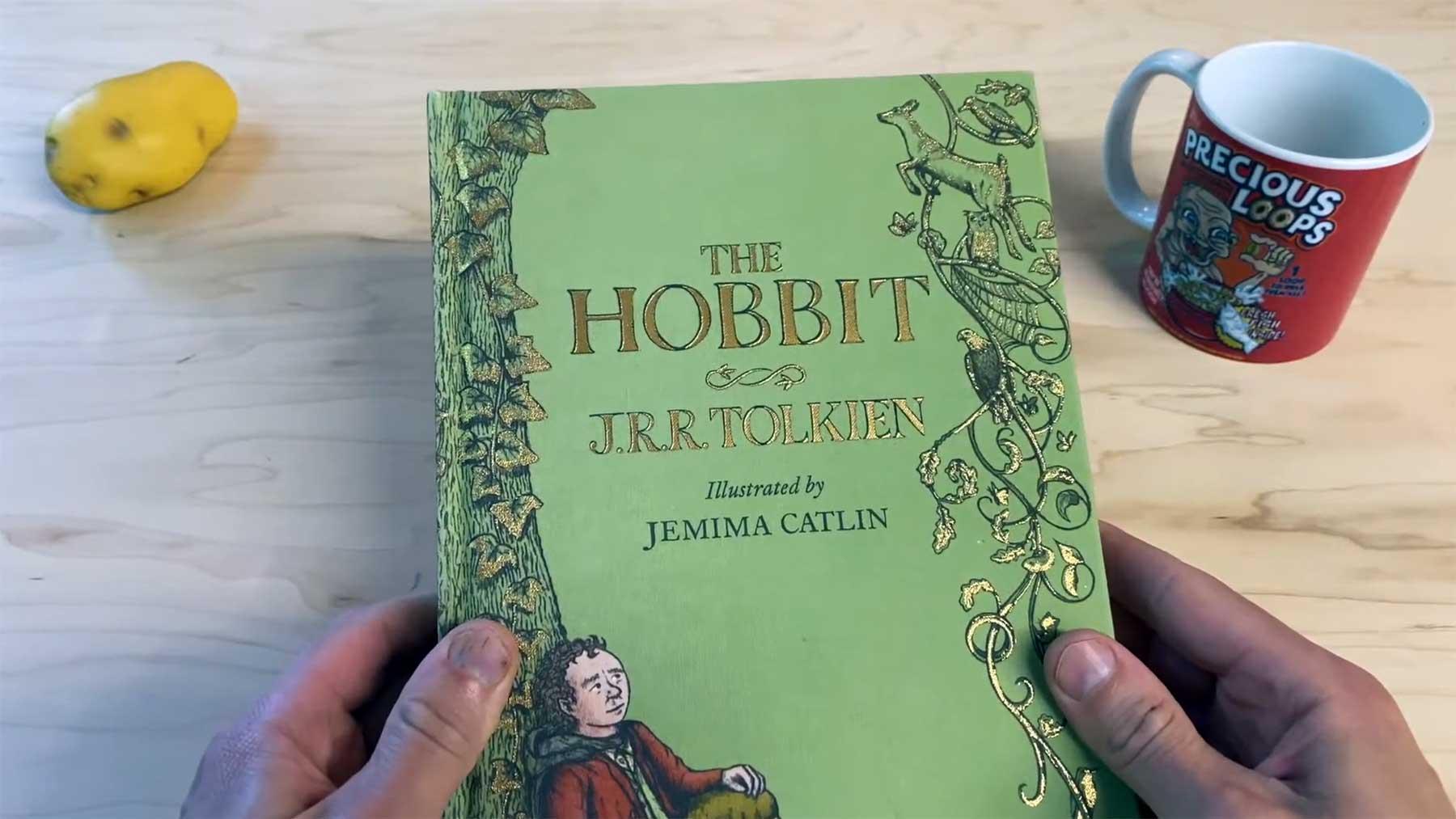 """Gollum liest """"Der Hobbit"""""""