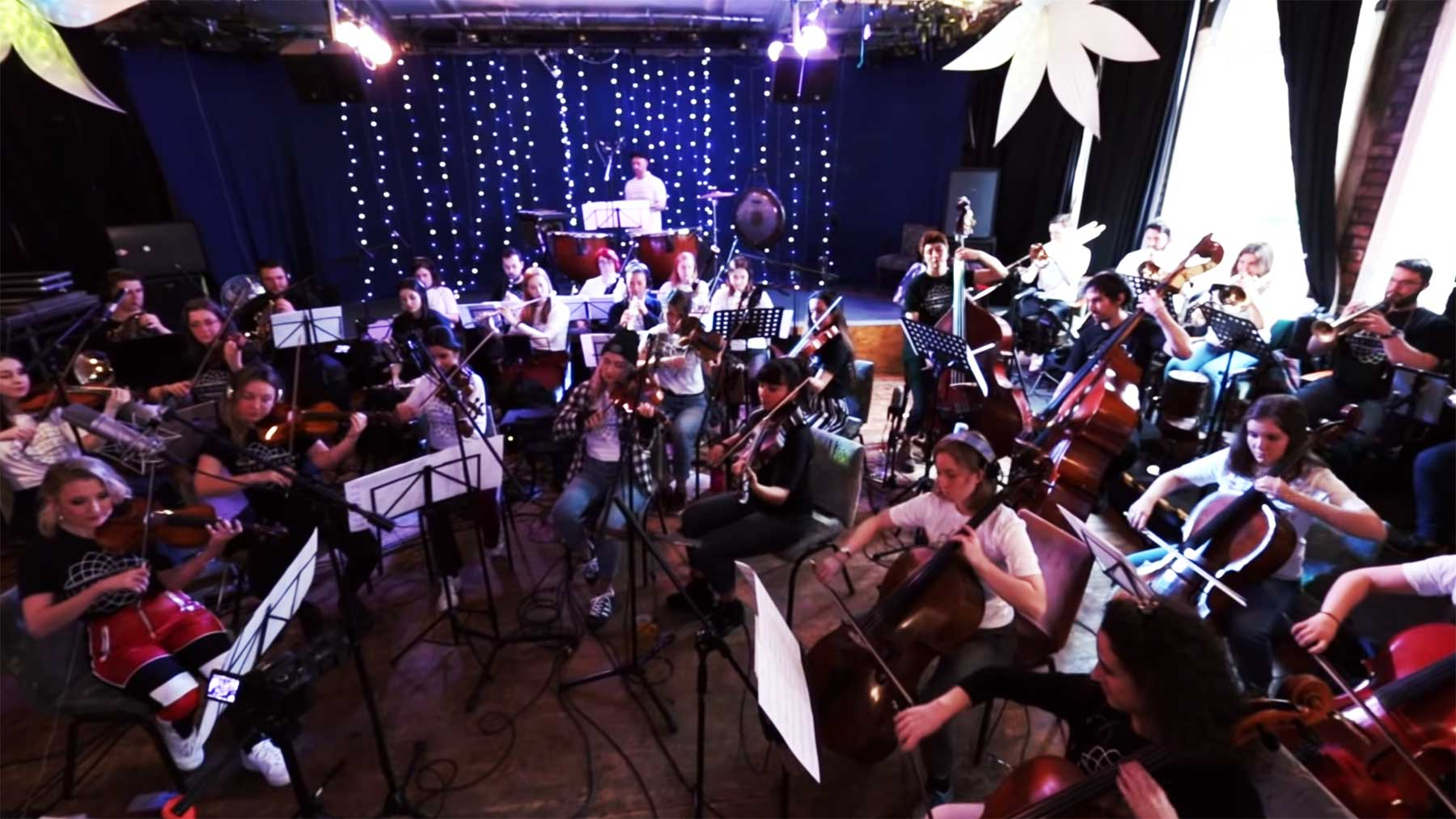 Orchester spielt Daft Punk-Medley