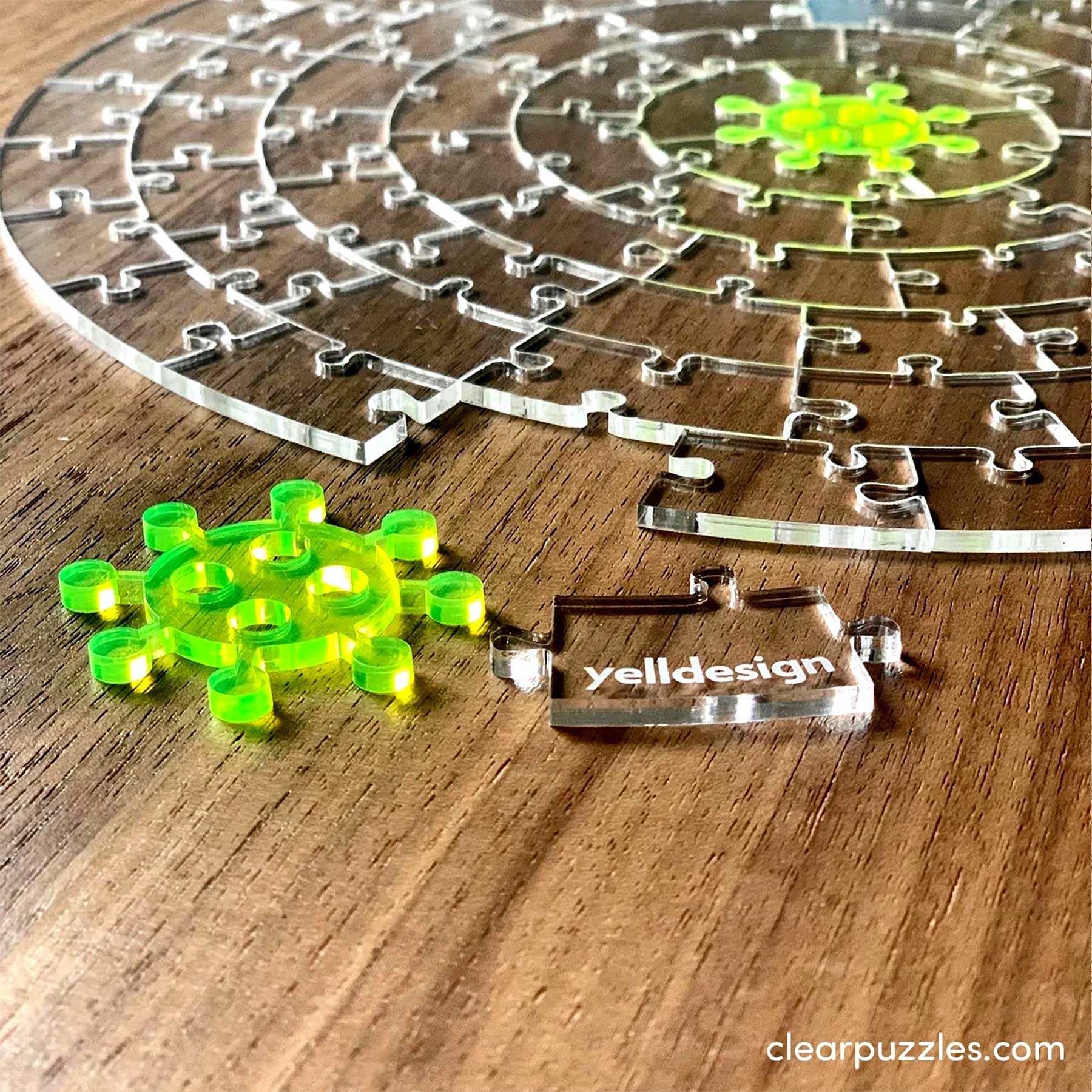 Durchsichtiges Puzzle puzzle-aus-glas-The-virus_clear-jigsaw_02