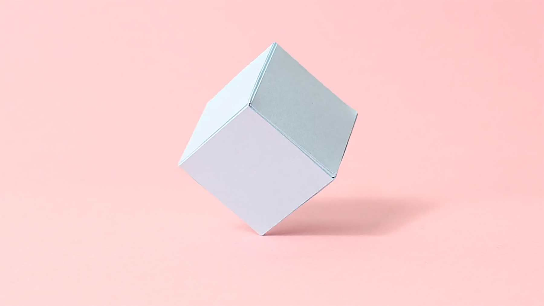 Papierwürfel zeigt menschliche Emotionen
