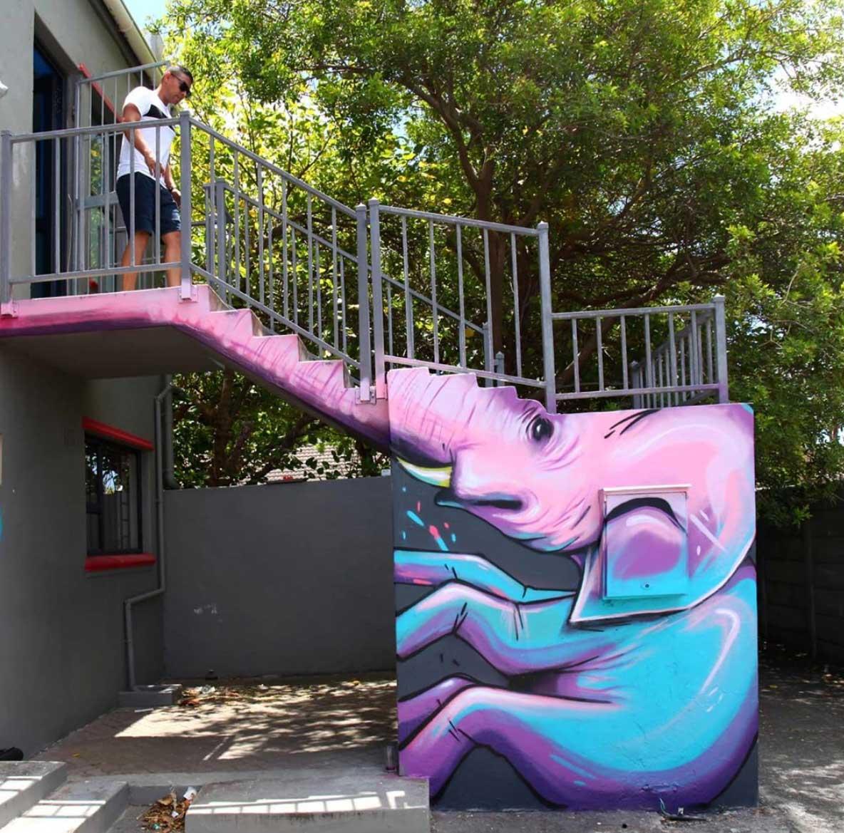 Die Street Art von Falko One bezieht die Umgebung mit ein Falko-One-perspektivische-Street-Art_03