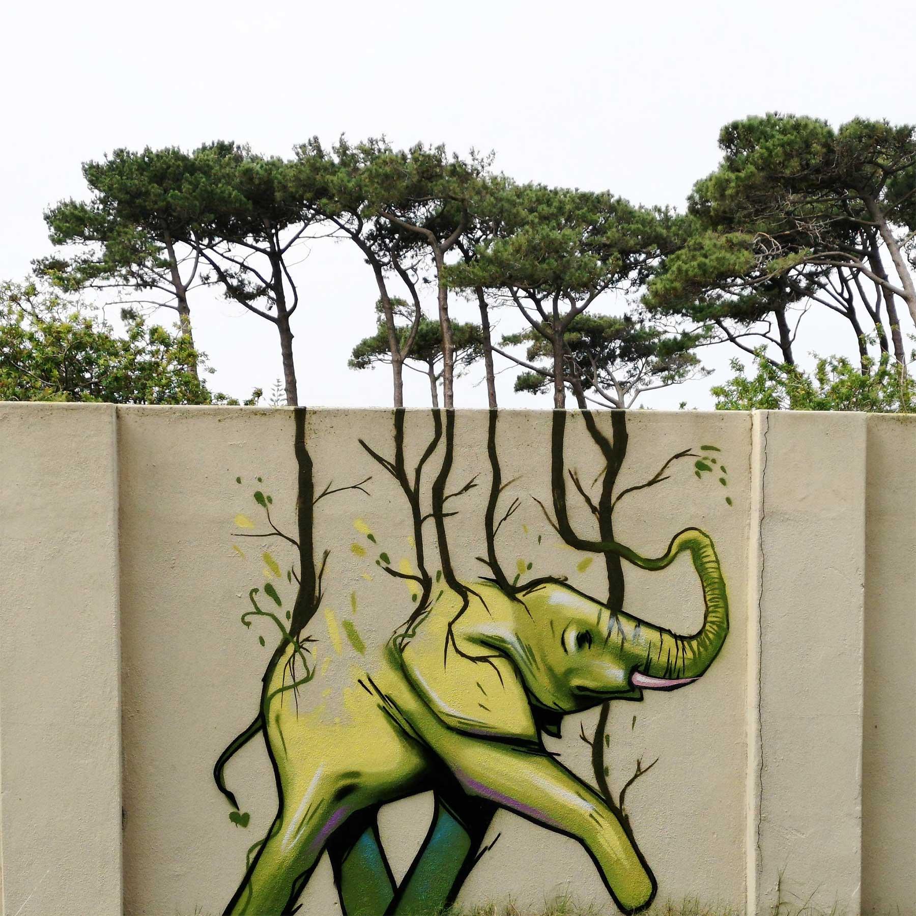 Die Street Art von Falko One bezieht die Umgebung mit ein Falko-One-perspektivische-Street-Art_04