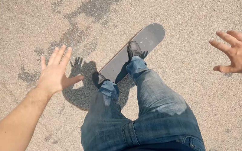 Buttered Side Down lernt Skateboarden