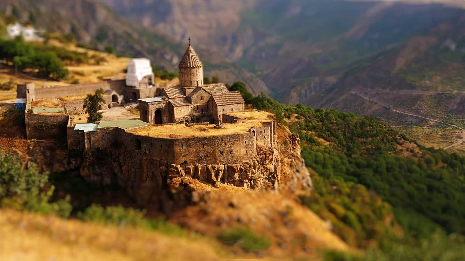 "Tilt-Shift-Video: ""Awesome Armenia"""