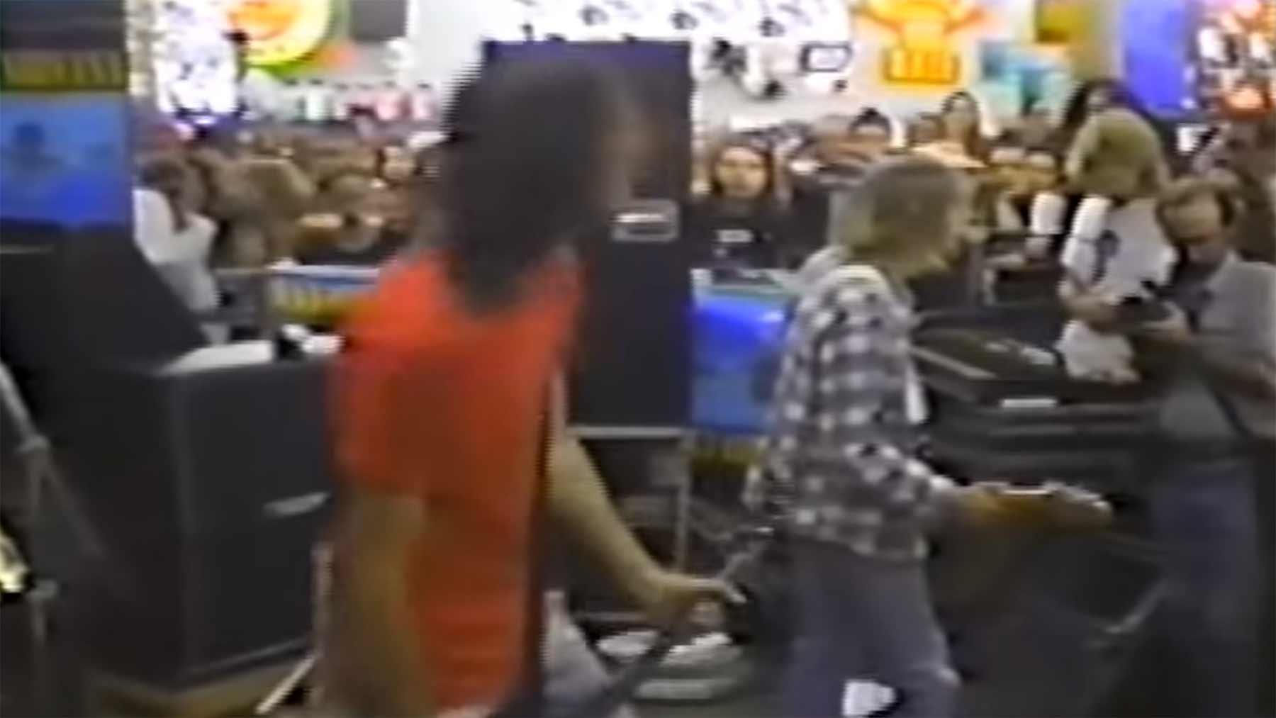 """Nirvana spielen """"Smells Like Teen Spirit"""" eine Woche vor Veröffentlichung"""