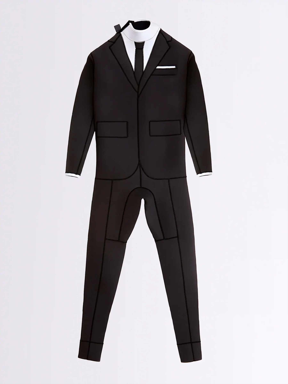 Wetsuit, der wie ein Smoking aussieht thom-browne-wetsuit-tuxedo-Wayne-Lawrence_02