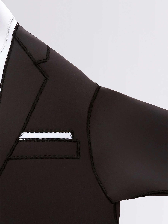 Wetsuit, der wie ein Smoking aussieht thom-browne-wetsuit-tuxedo-Wayne-Lawrence_03