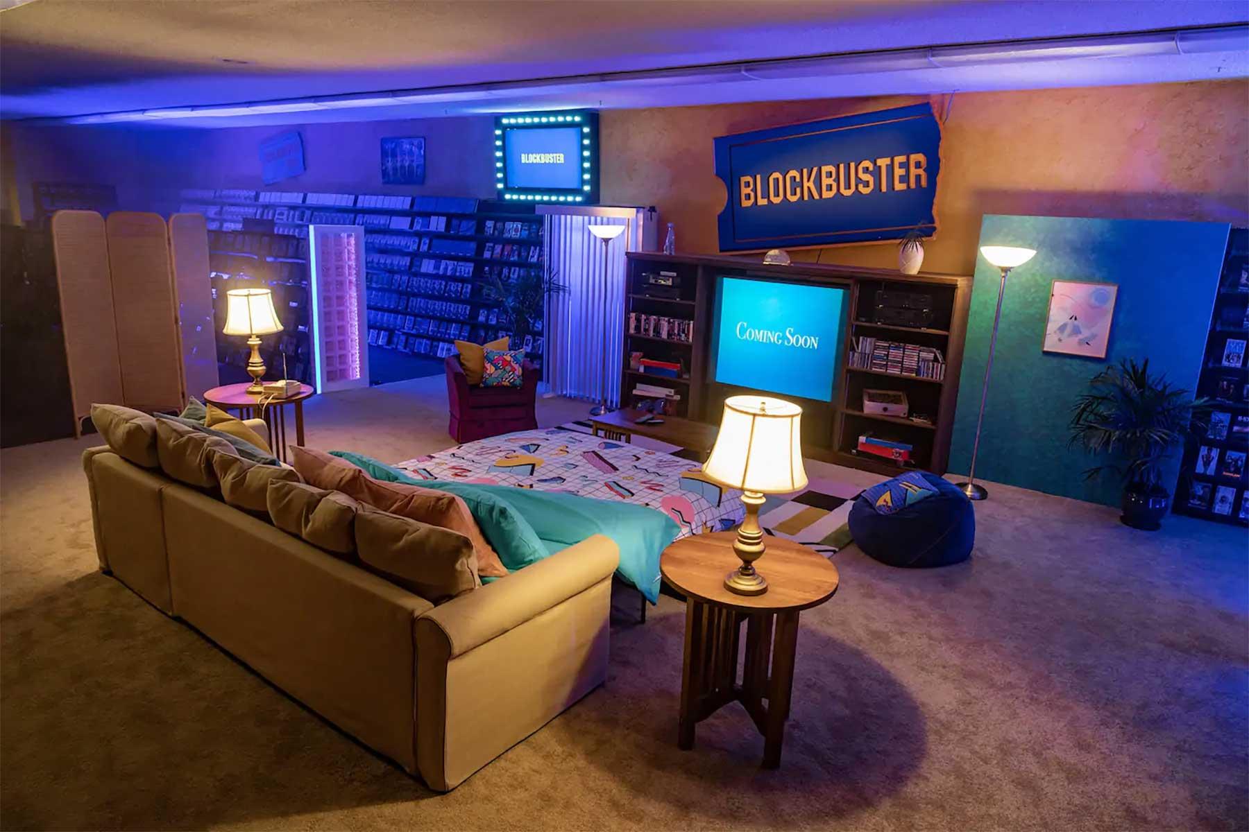 In der letzten Blockbuster-Filiale der Welt per Airbnb übernachten