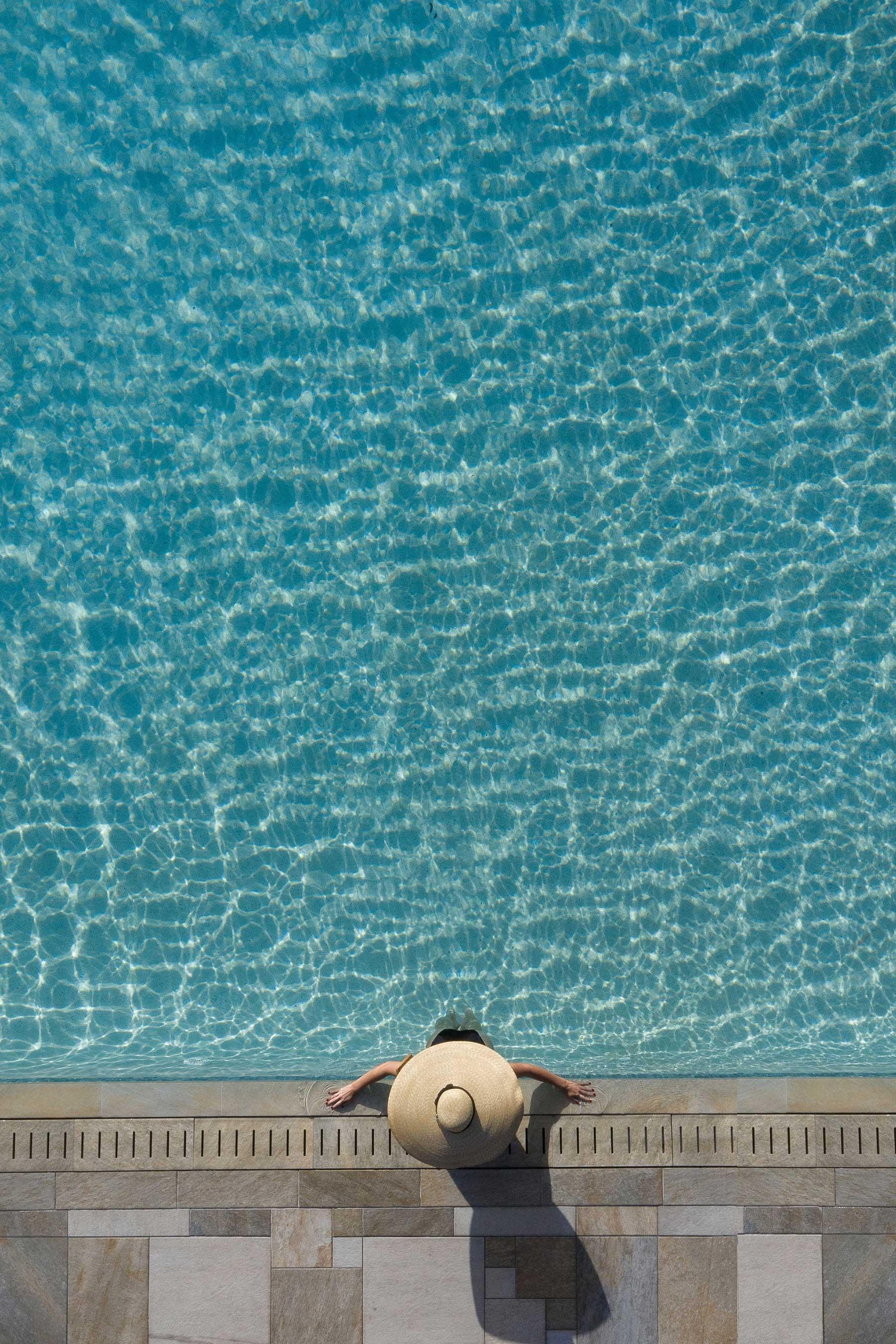 Brad Walls zeigt uns die Schönheit von Schwimmbecken Brad-Walls-Pools-From-Above_03