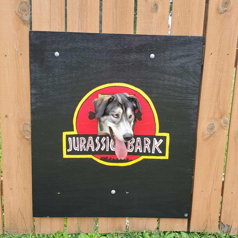 Hundeköpfe vollenden Zaunmotive