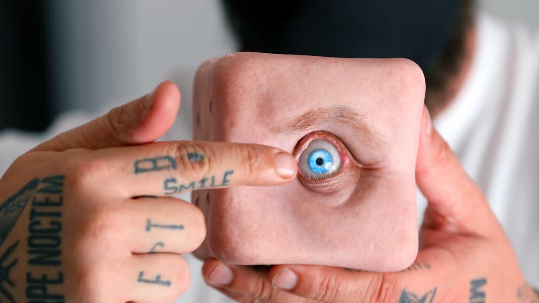 Creepy Roboter-Fleisch-Auge