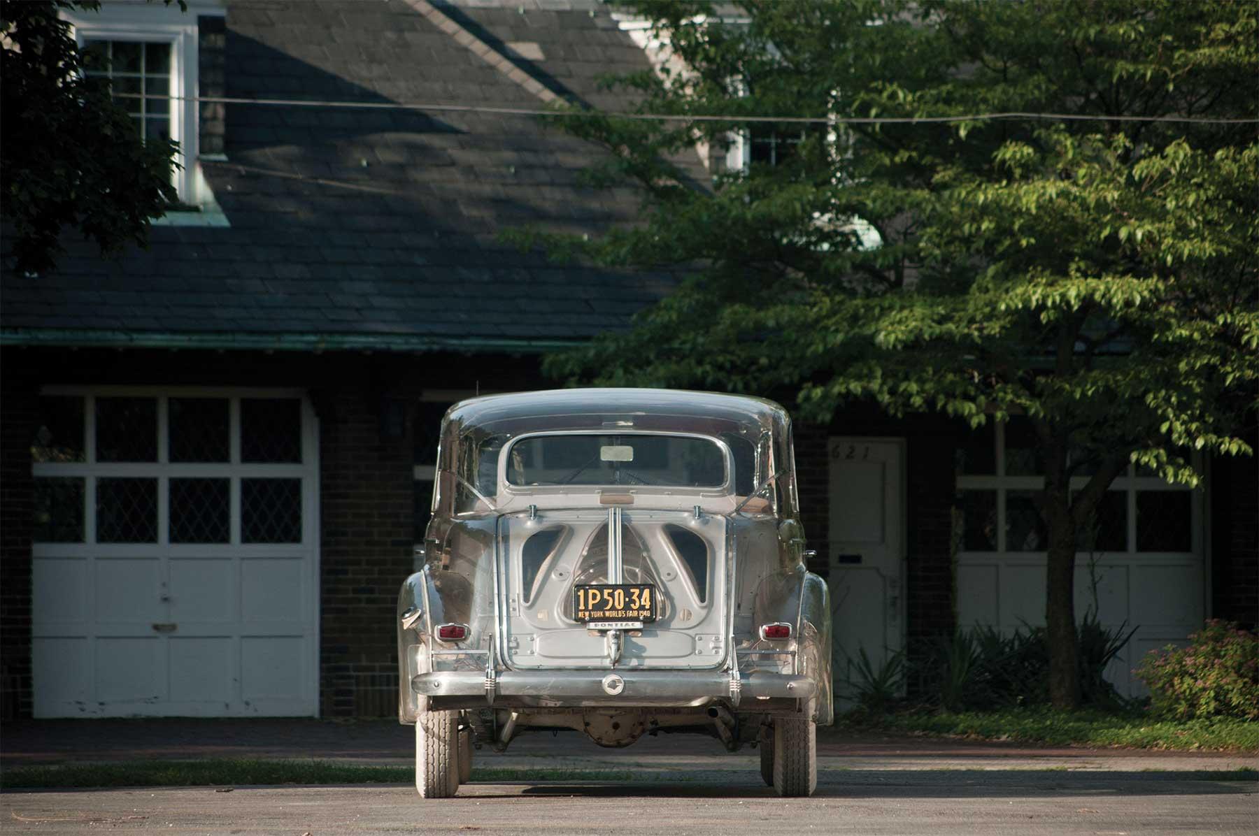 Das erste durchsichtige Auto der Welt pontiac-ghost-car-1940_07