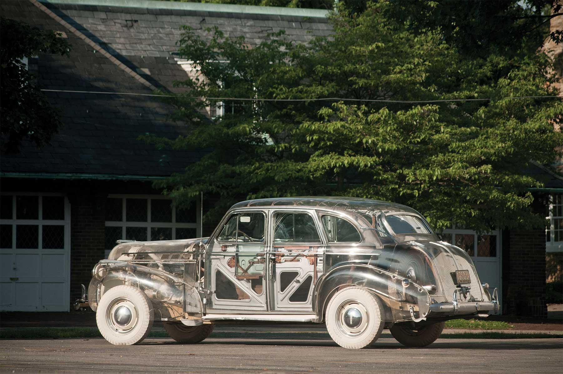 Das erste durchsichtige Auto der Welt pontiac-ghost-car-1940_08