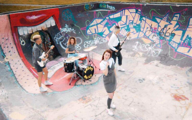 "Musikvideo: Dream Nails – ""Kiss My Fist"""