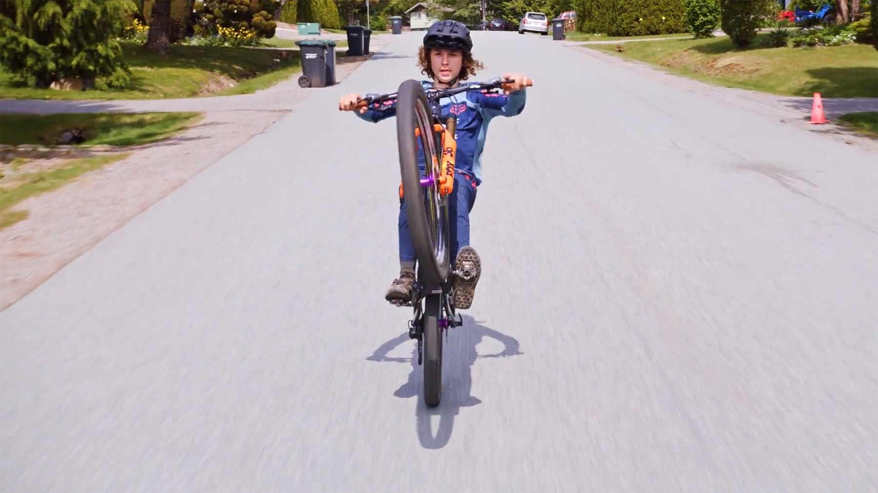"""Was der """"mit dem Rad direkt zum Kindergarten""""-Junge heute drauf hat This-is-Home-Jackson-Goldstone"""