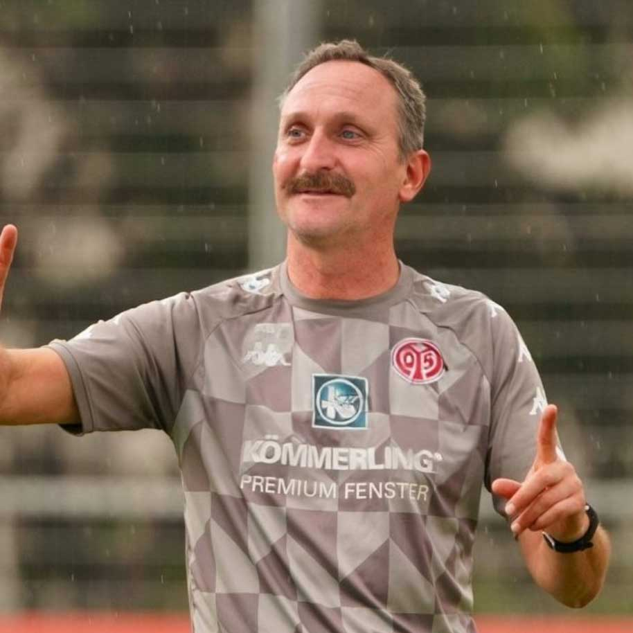 Alle Bundesligatrainer als Peter Neururer bundesligatrainer-als-peter-neururer_01