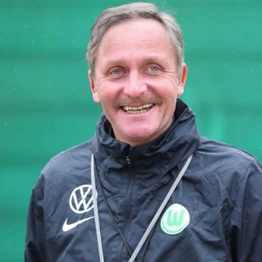 Alle Bundesligatrainer als Peter Neururer bundesligatrainer-als-peter-neururer_07