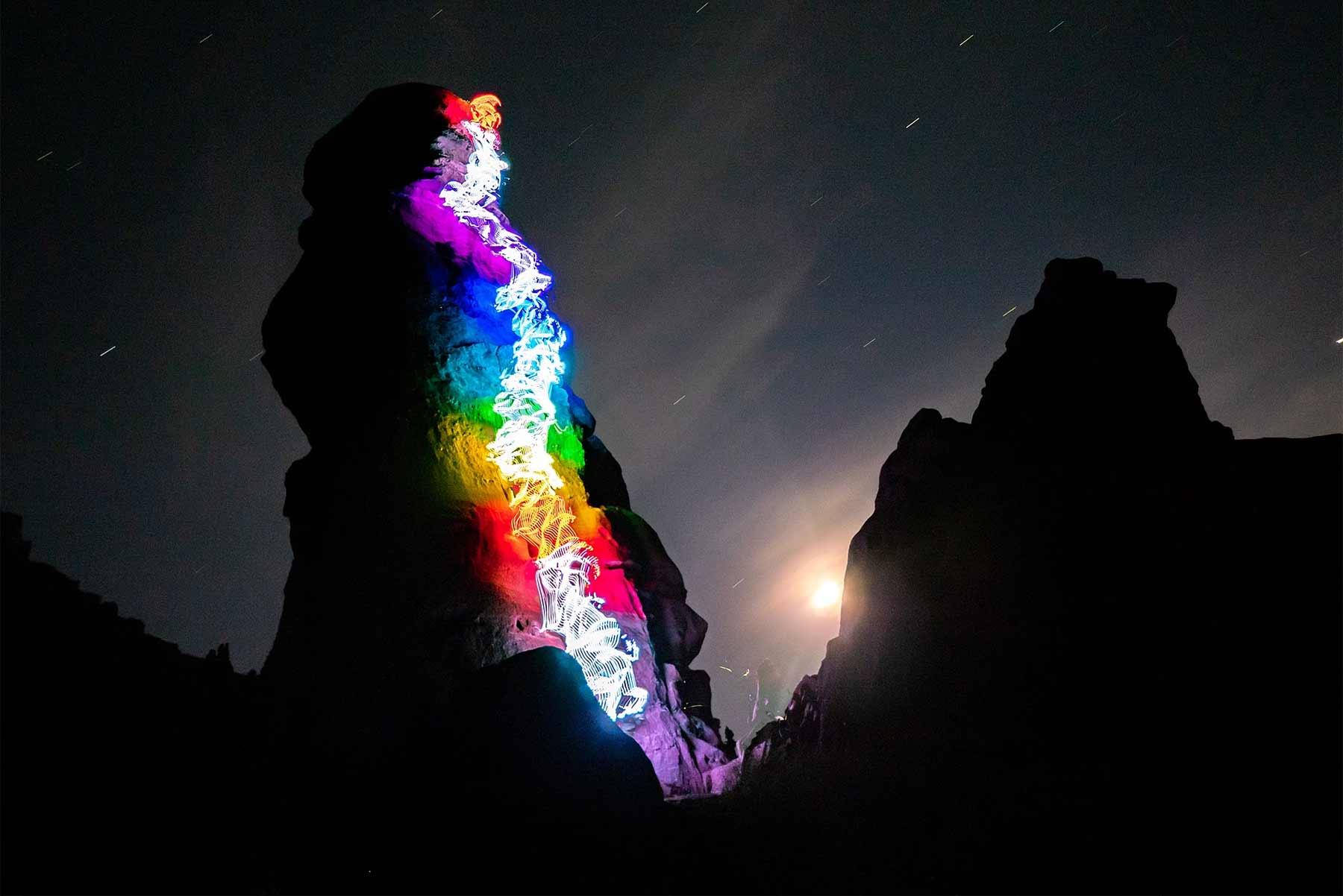 Leuchtende Kletterrouten