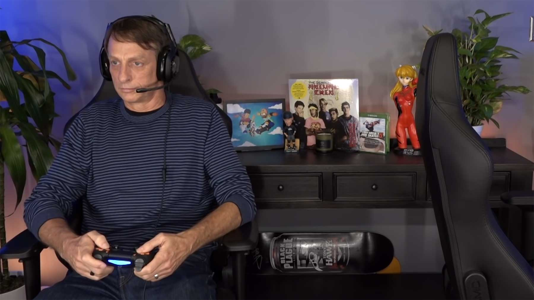 "Tony Hawk spielt ""Tony Hawk's Pro Skater 1+2"" tony-hawk-spielt-tony-hawks-pro-skater-1-and-2"