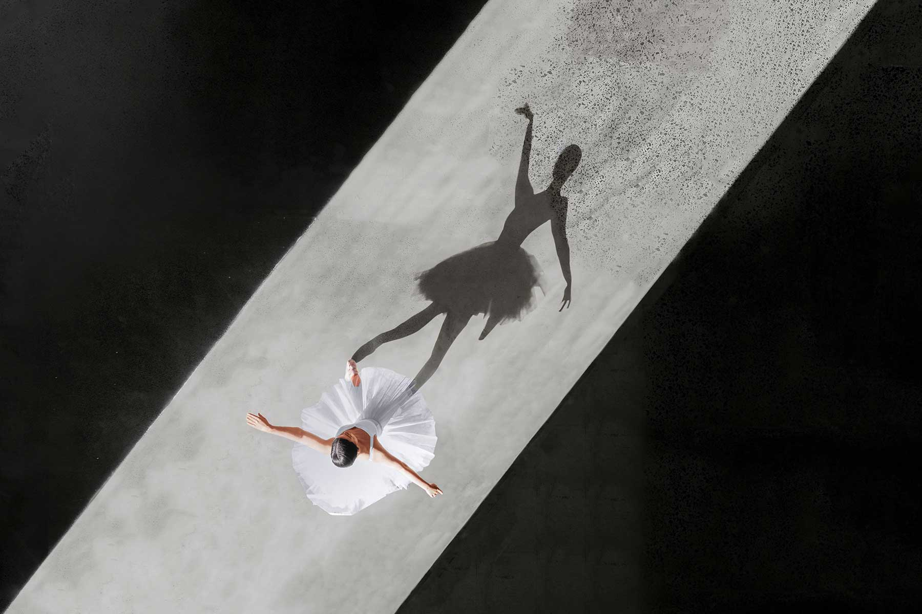 Ballerina-Luftaufnahmen von Brad Walls Brad-Walls_Ballerine-de-lair_07