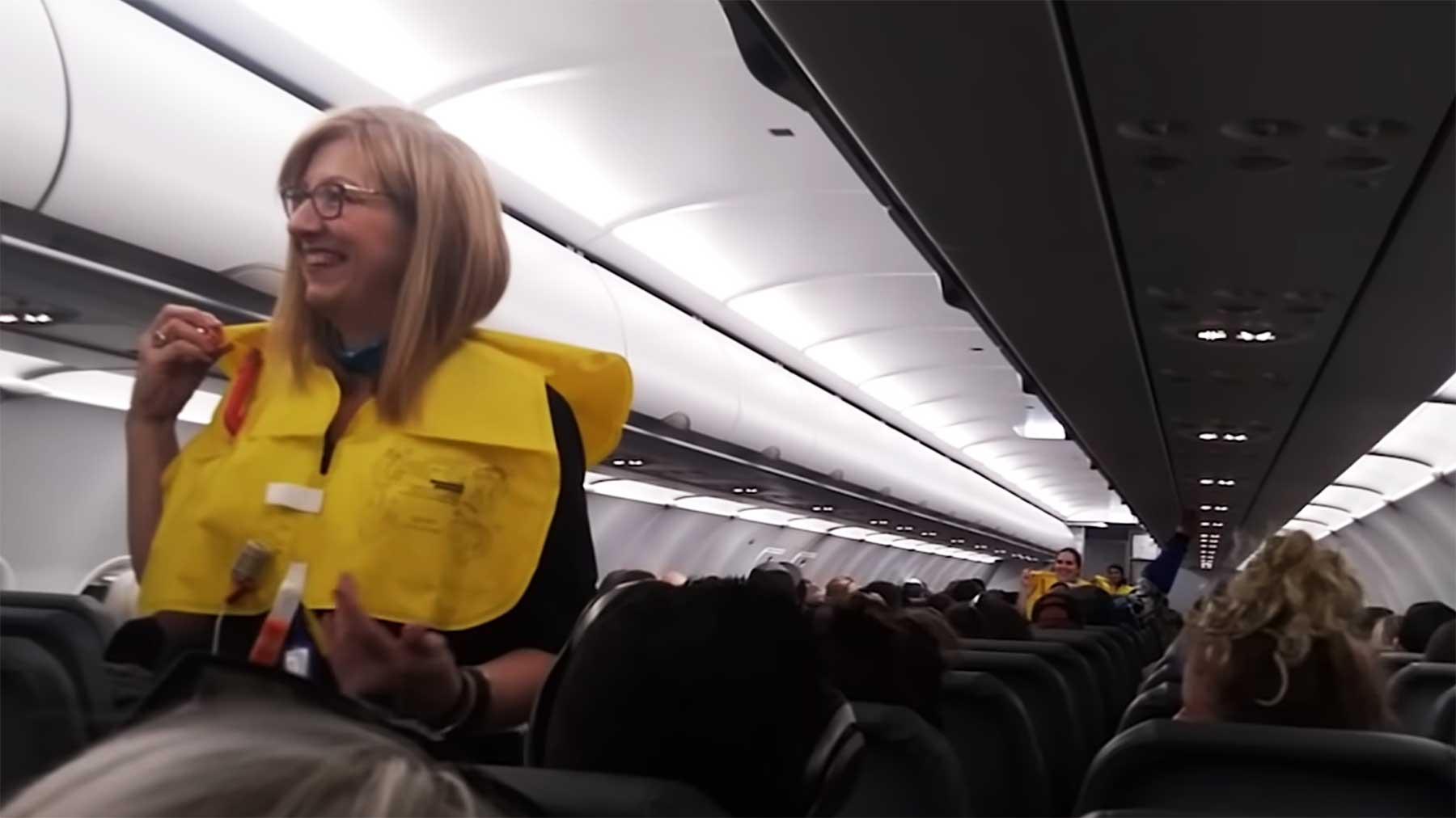 Lustige Flugsicherheits-Ansage lustige-flugdurchsage