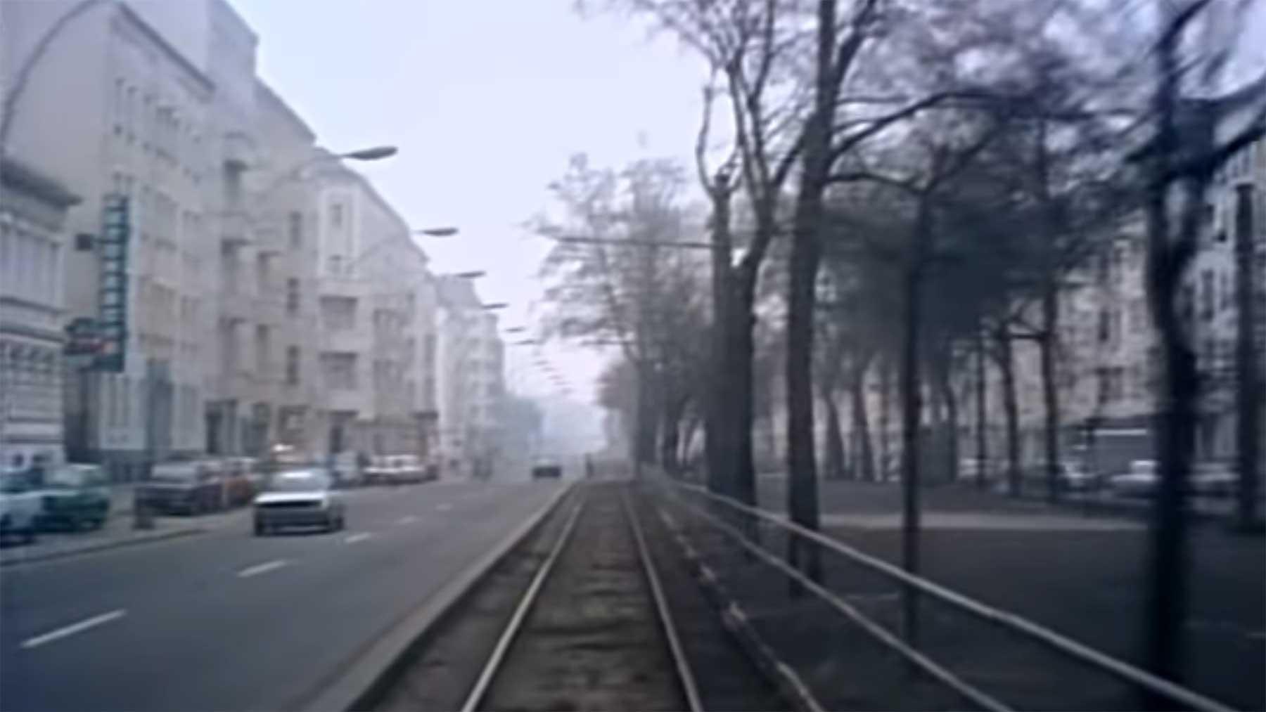 Tram-Fahrt durch das Ostberlin von 1990