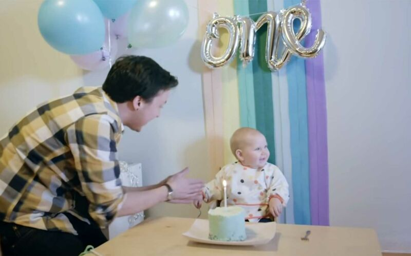 """Ein Kind geschlechtslos aufziehen: """"Raising Baby Grey"""""""
