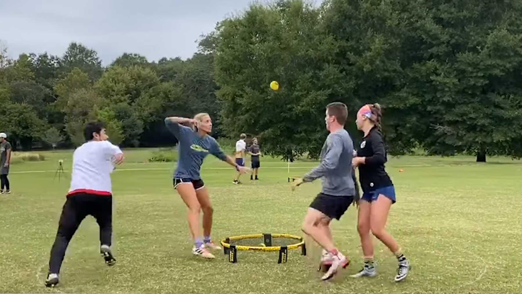 Einige der besten Spikeball-Ballwechsel spikeball-top-plays