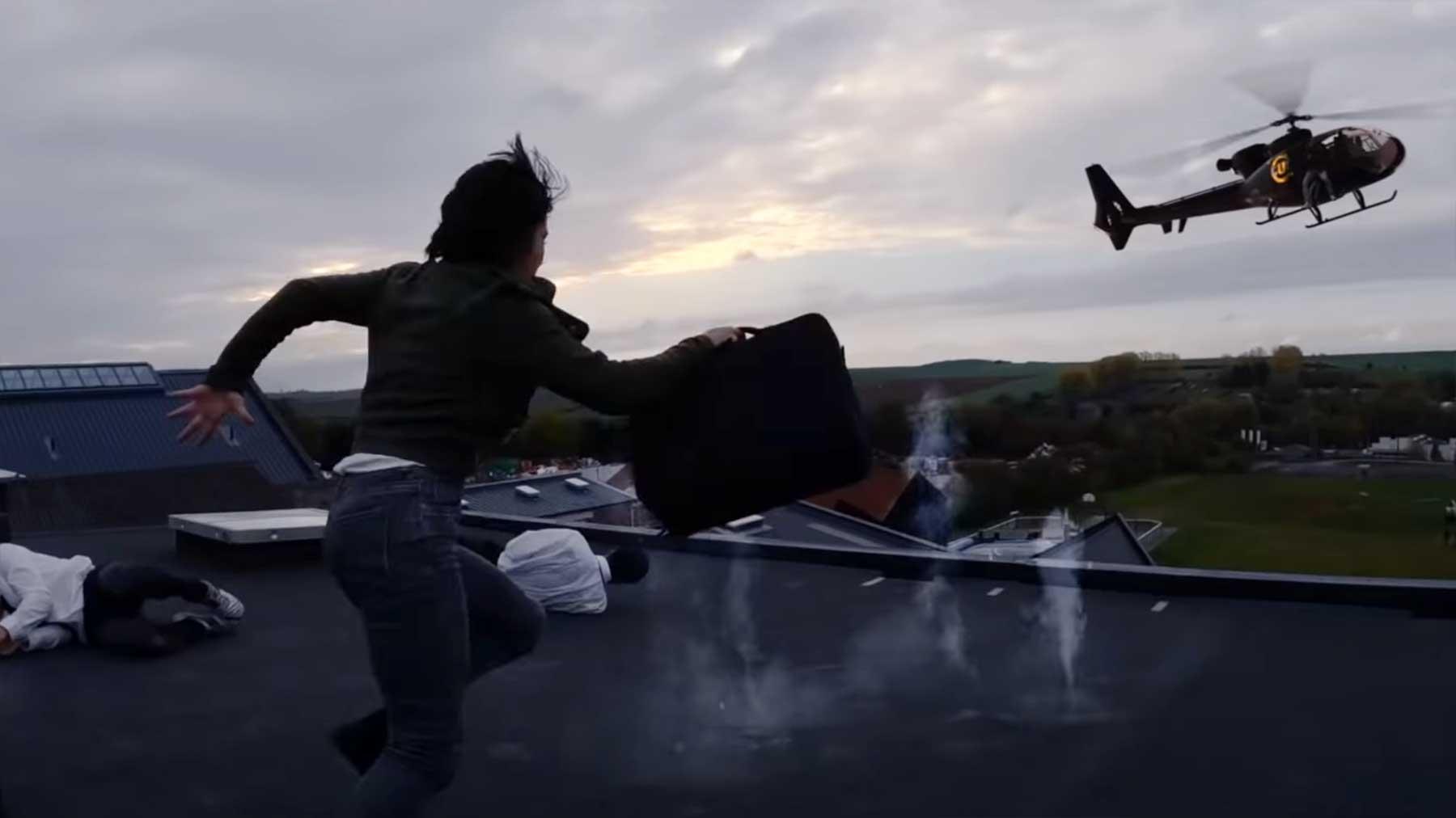 So cool wirbt eine Stunt-Schule für sich