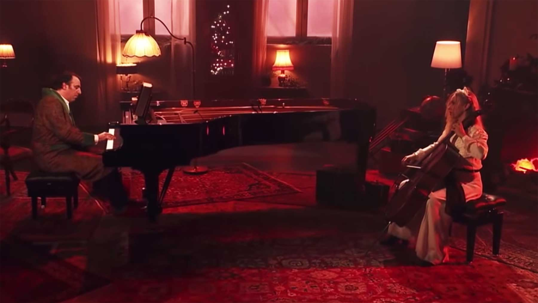 "Eine Stunde schöne Weihnachtsmusik: Chilly Gonzales - ""A Very Chilly Christmas"" Chilly-Gonzales-A-Very-Chilly-Christmas-ARTE-Concert"