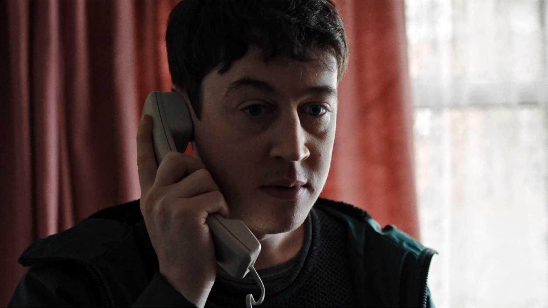 Unverständliche Anrufbeantworter-Nachricht deiner neuen Liebe Semi-Skimmed-kurzfilm