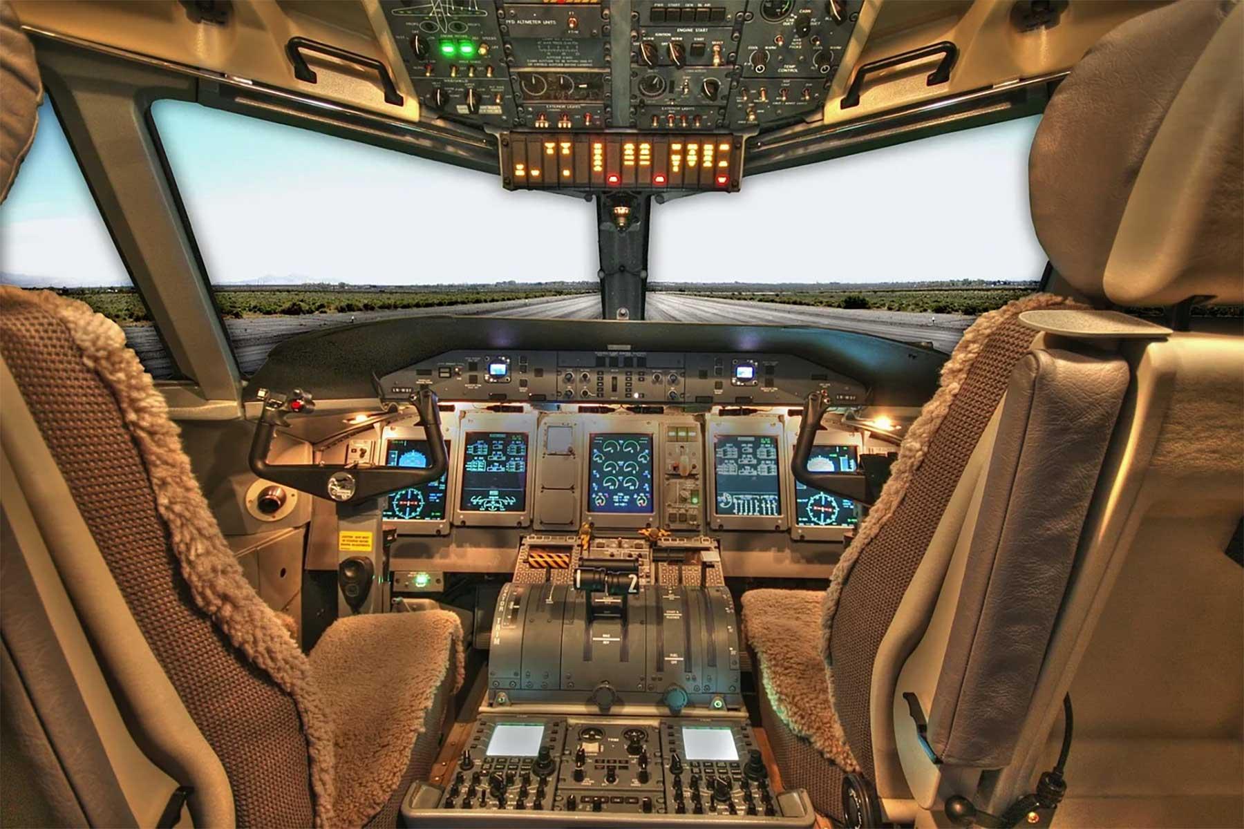 Der Aufstieg von lebensnahen Simulationsspielen cockpit-pixabay