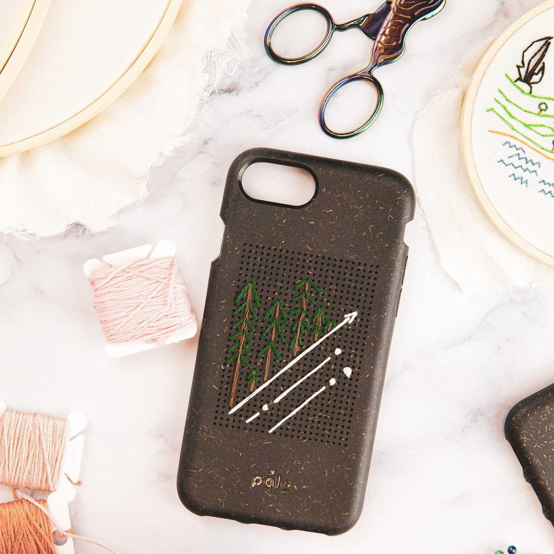 Diese Handyhülle kannst du individuell besticken! handyhuelle-Stitch-Case_03